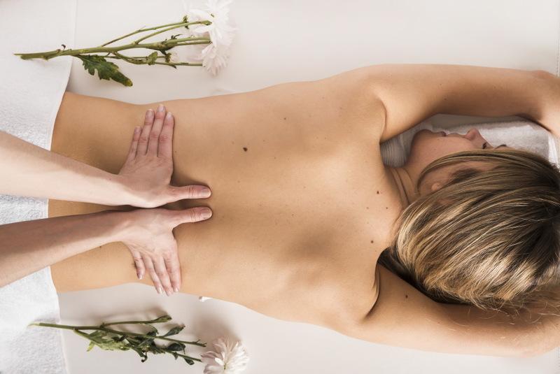 Сеанс массажа спины в подарок